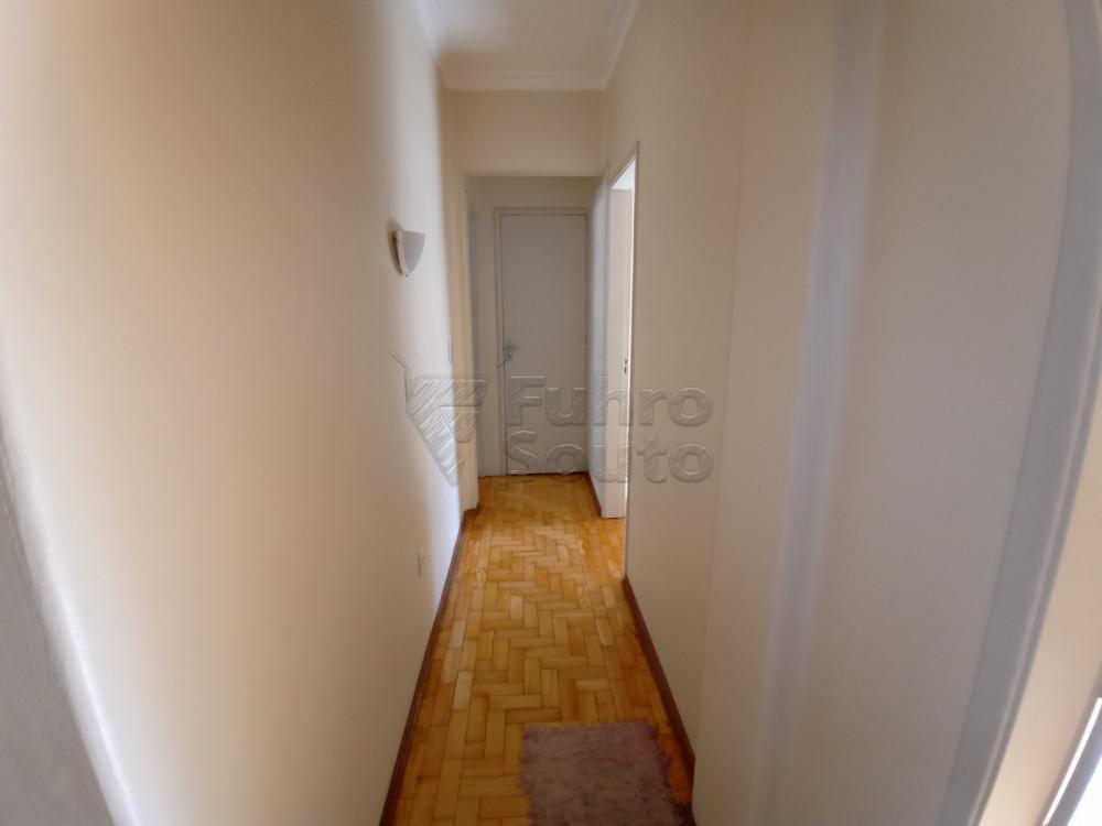 Comprar Apartamento / Padrão em Pelotas R$ 380.000,00 - Foto 11