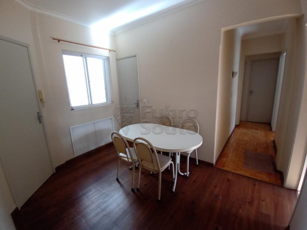 Comprar Apartamento / Padrão em Pelotas R$ 380.000,00 - Foto 12