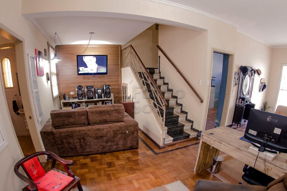 Comprar Casa / Padrão em Pelotas R$ 550.000,00 - Foto 4