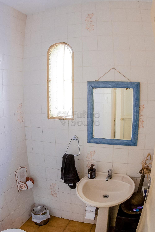 Comprar Casa / Padrão em Pelotas R$ 550.000,00 - Foto 7
