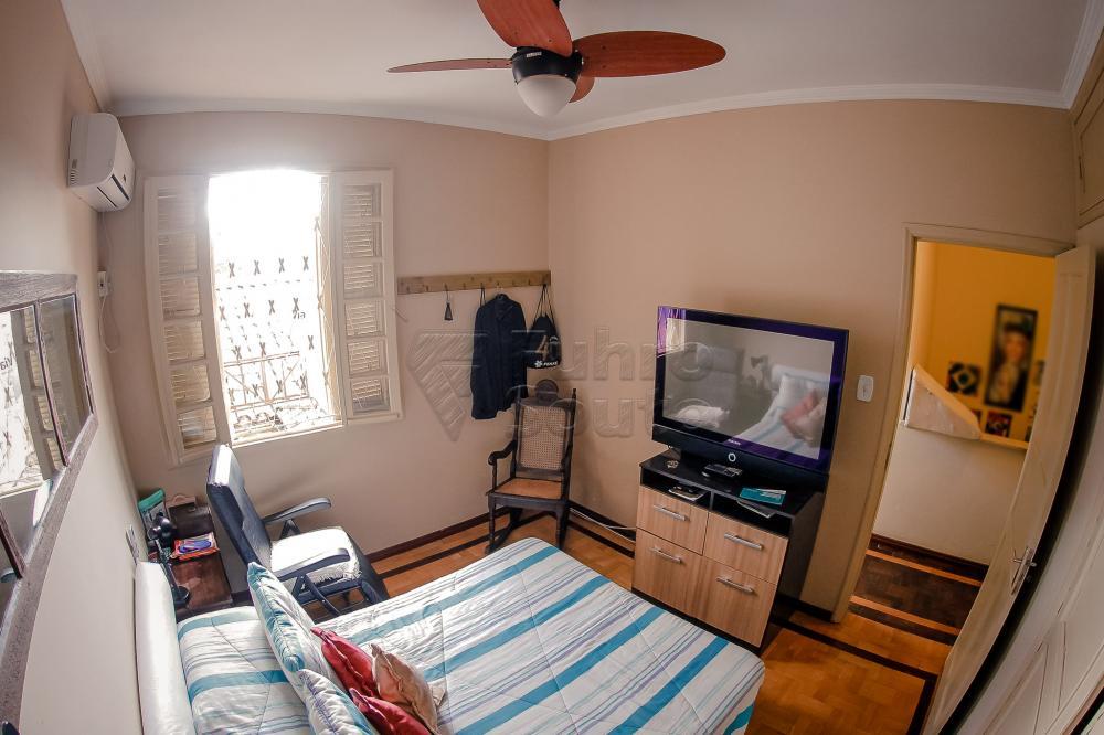 Comprar Casa / Padrão em Pelotas R$ 550.000,00 - Foto 9