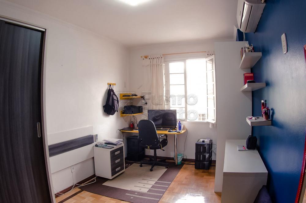 Comprar Casa / Padrão em Pelotas R$ 550.000,00 - Foto 10