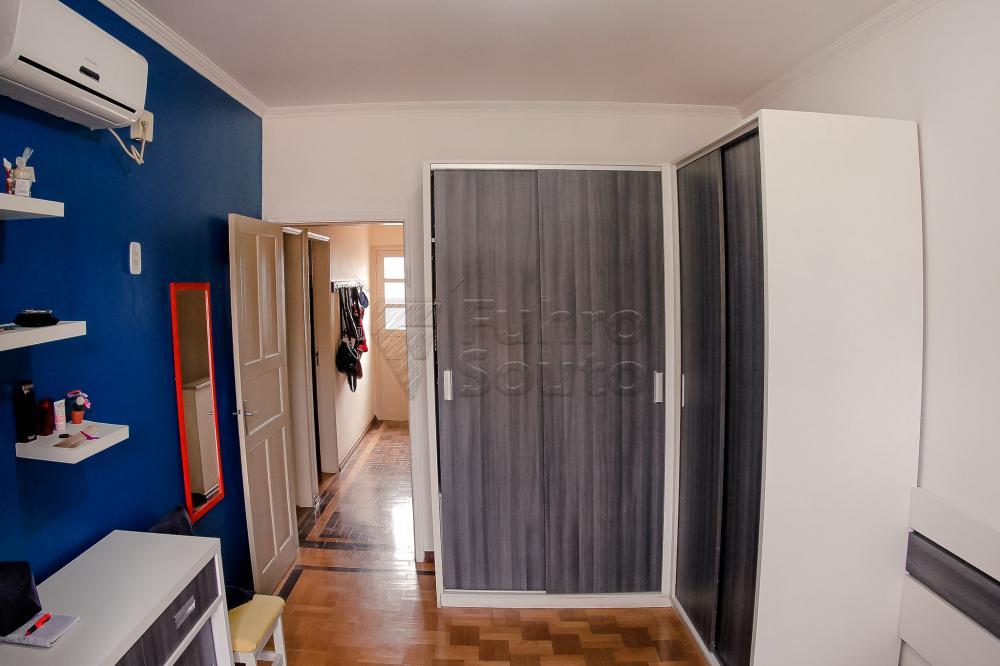 Comprar Casa / Padrão em Pelotas R$ 550.000,00 - Foto 11