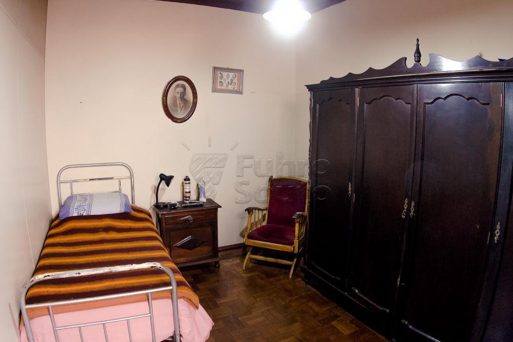 Comprar Casa / Padrão em Pelotas R$ 550.000,00 - Foto 16