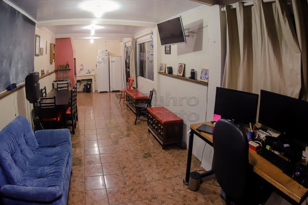 Comprar Casa / Padrão em Pelotas R$ 550.000,00 - Foto 6