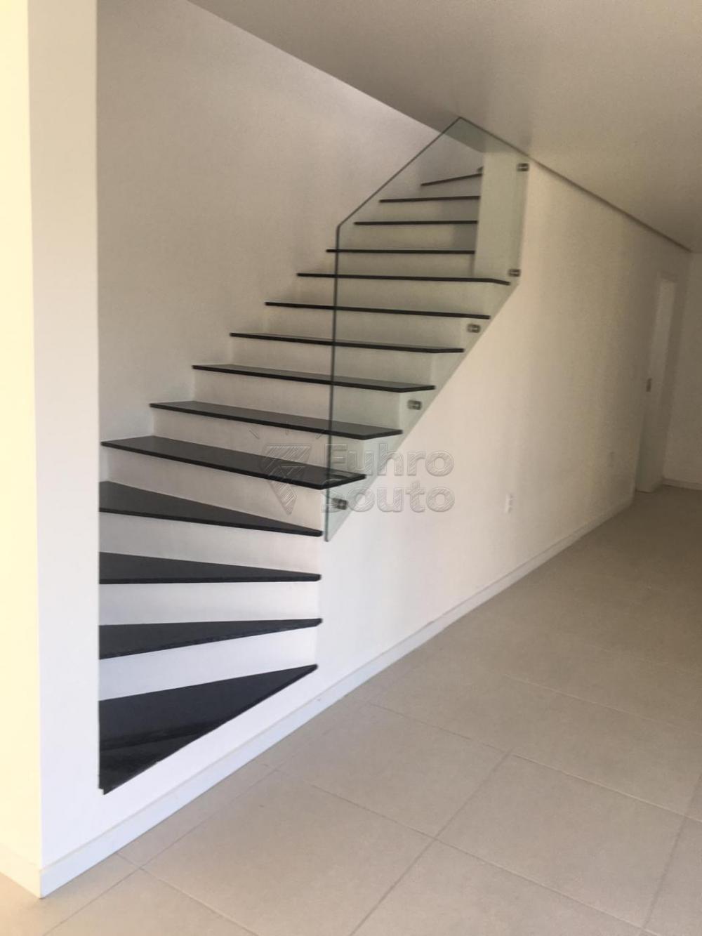Comprar Casa / Padrão em Pelotas R$ 426.000,00 - Foto 8