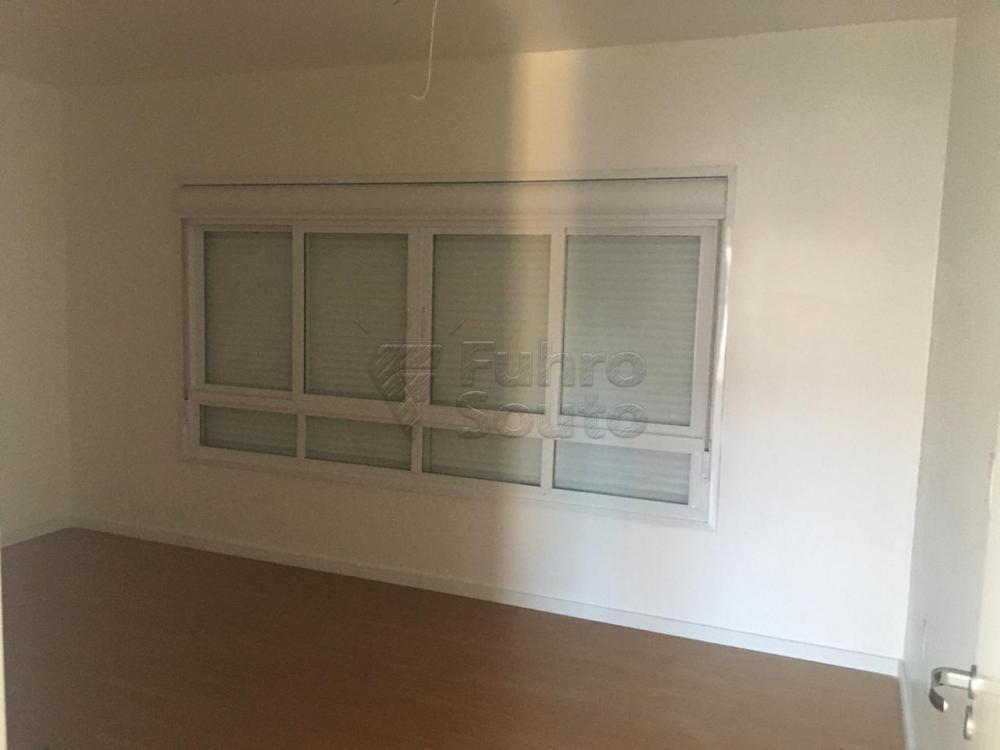 Comprar Casa / Padrão em Pelotas R$ 426.000,00 - Foto 9