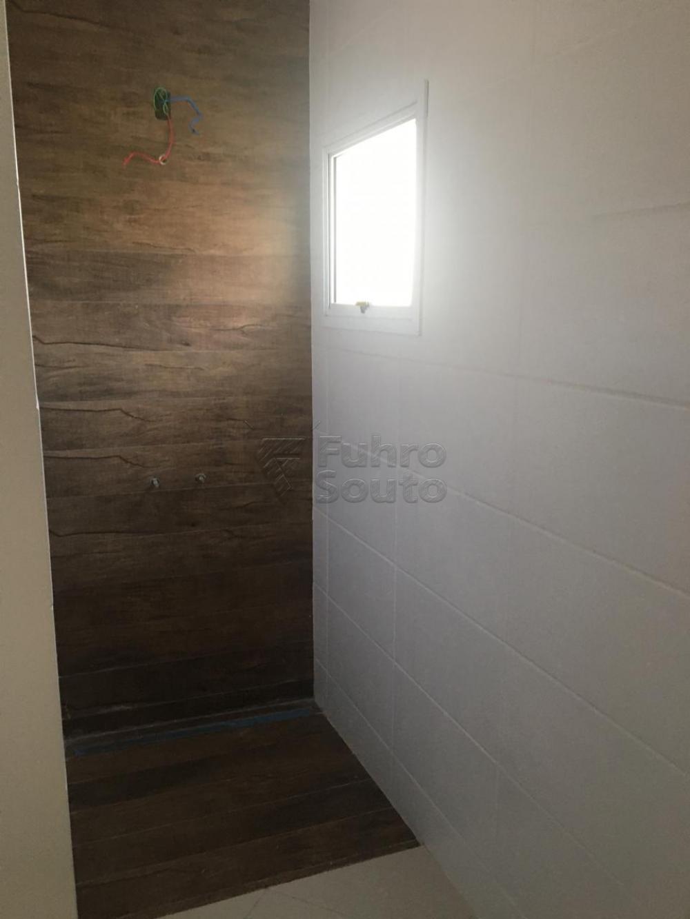 Comprar Casa / Padrão em Pelotas R$ 426.000,00 - Foto 16