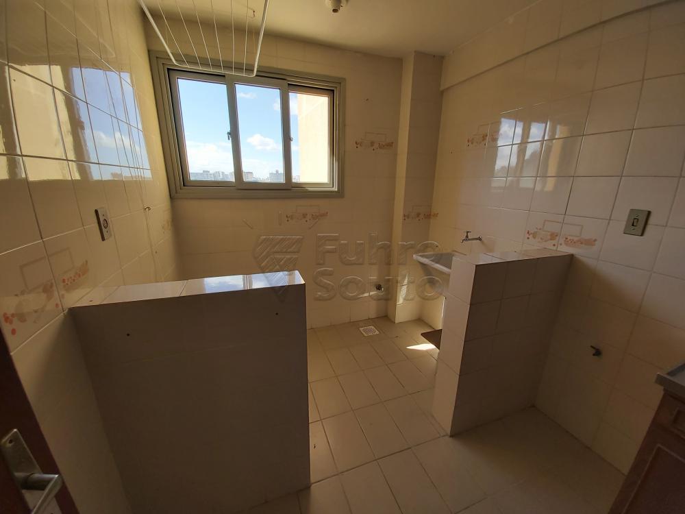 Comprar Apartamento / Padrão em Pelotas R$ 180.000,00 - Foto 7