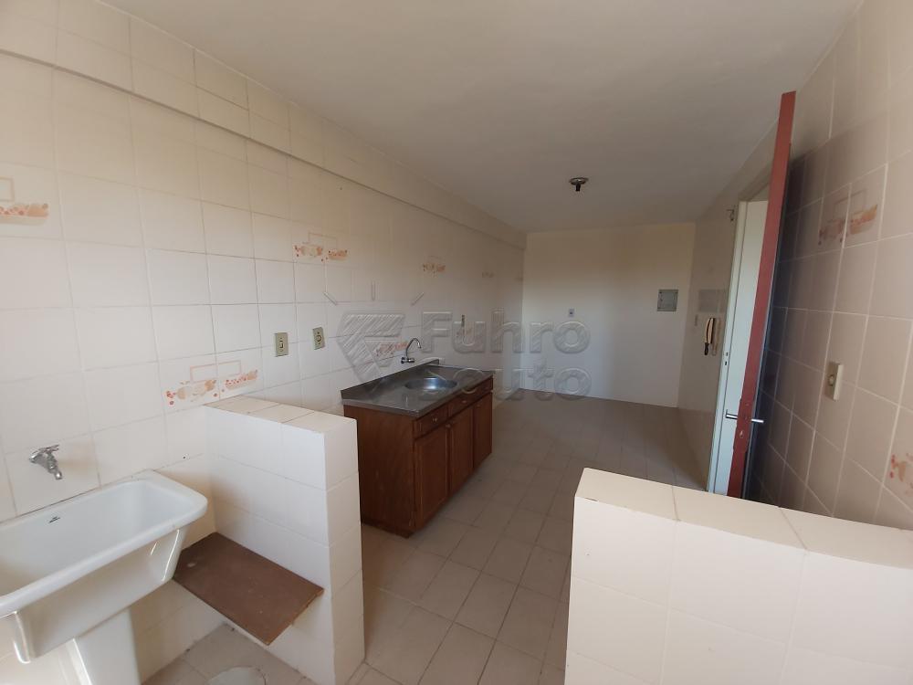 Comprar Apartamento / Padrão em Pelotas R$ 180.000,00 - Foto 8