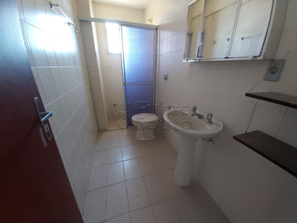 Comprar Apartamento / Padrão em Pelotas R$ 180.000,00 - Foto 9
