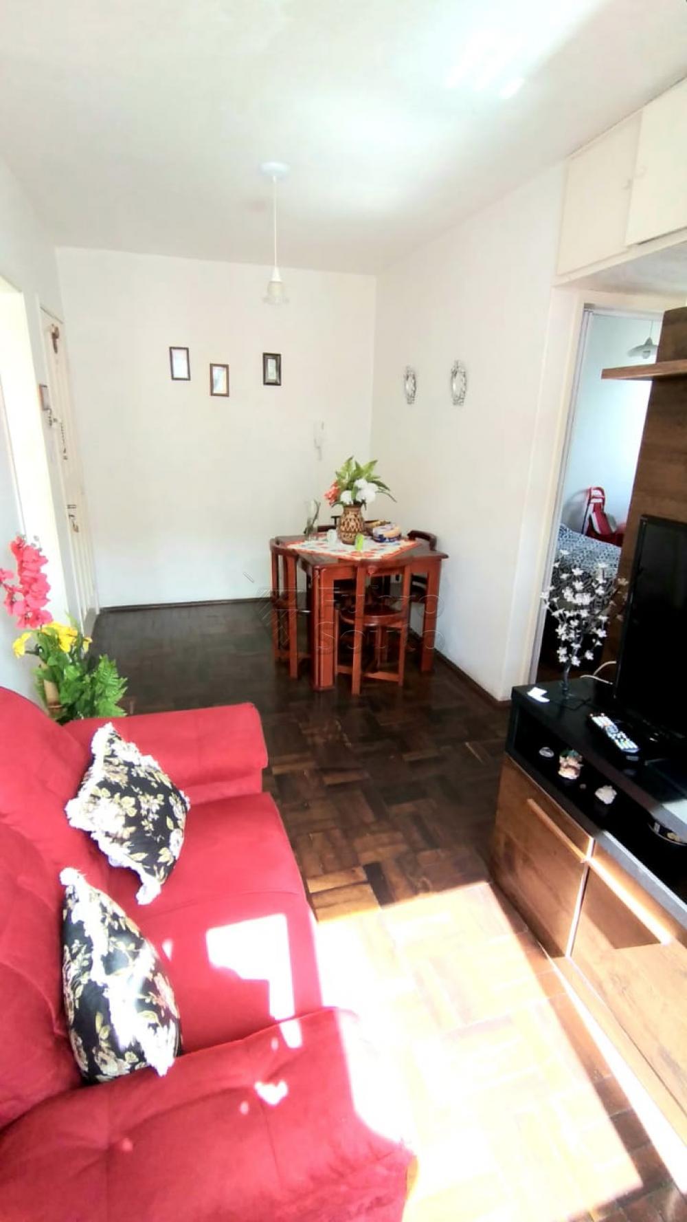Comprar Apartamento / Padrão em Pelotas R$ 170.000,00 - Foto 2