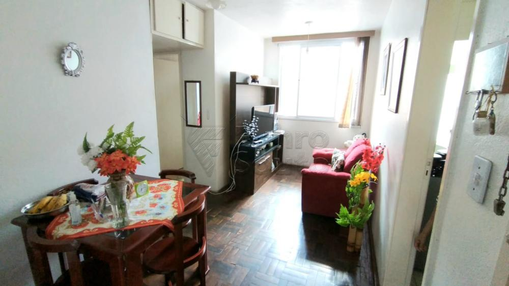 Comprar Apartamento / Padrão em Pelotas R$ 170.000,00 - Foto 1
