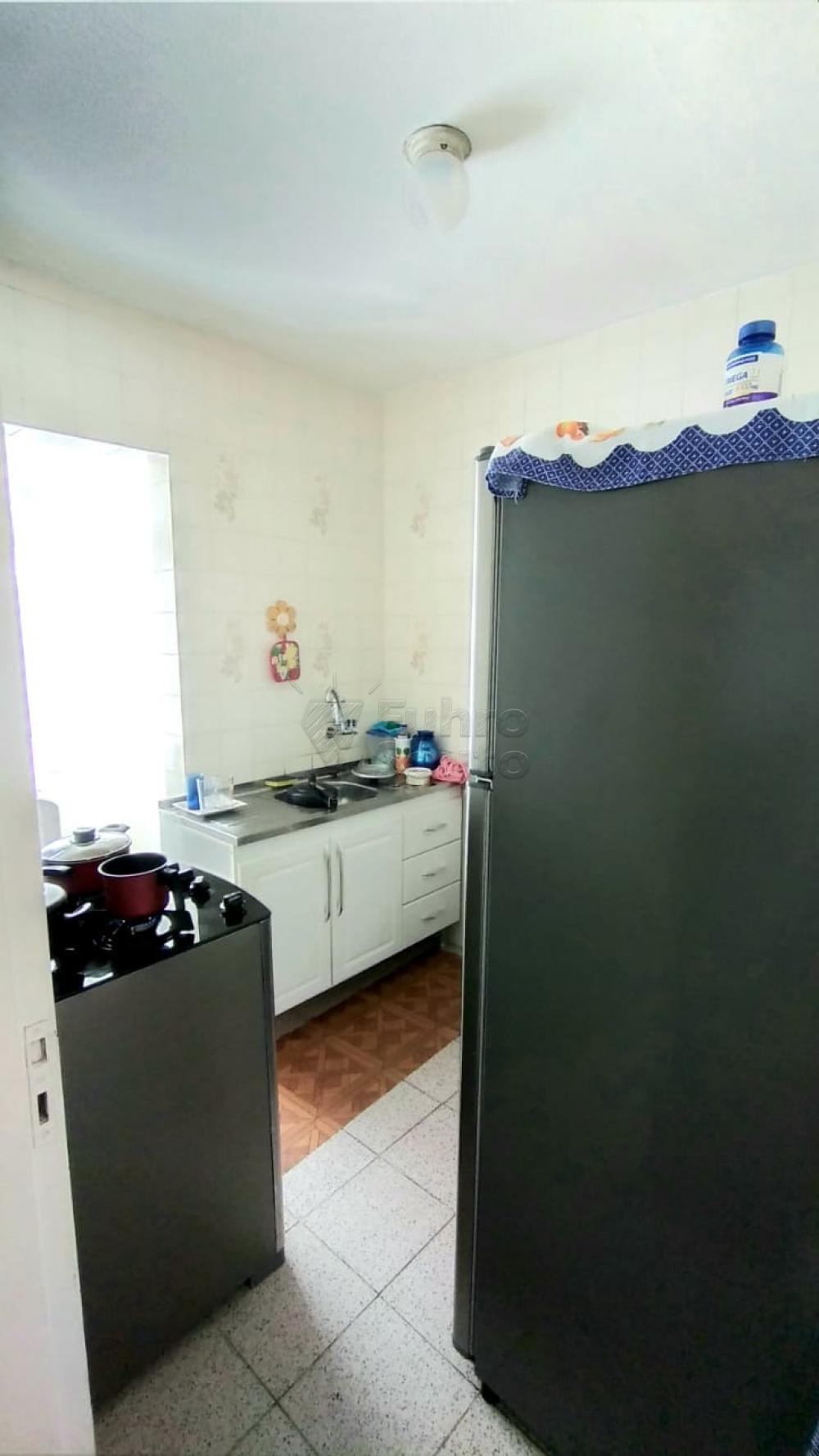Comprar Apartamento / Padrão em Pelotas R$ 170.000,00 - Foto 4