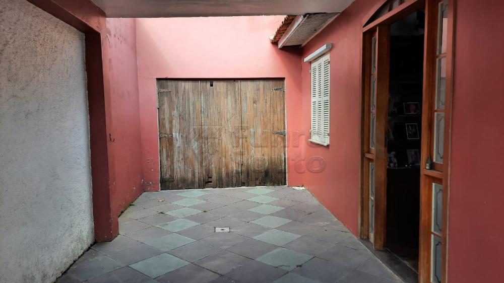 Comprar Casa / Padrão em Pelotas R$ 290.000,00 - Foto 3