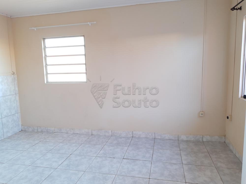 Alugar Casa / Padrão em Pelotas R$ 790,00 - Foto 7