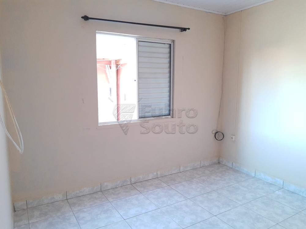 Alugar Casa / Padrão em Pelotas R$ 790,00 - Foto 8