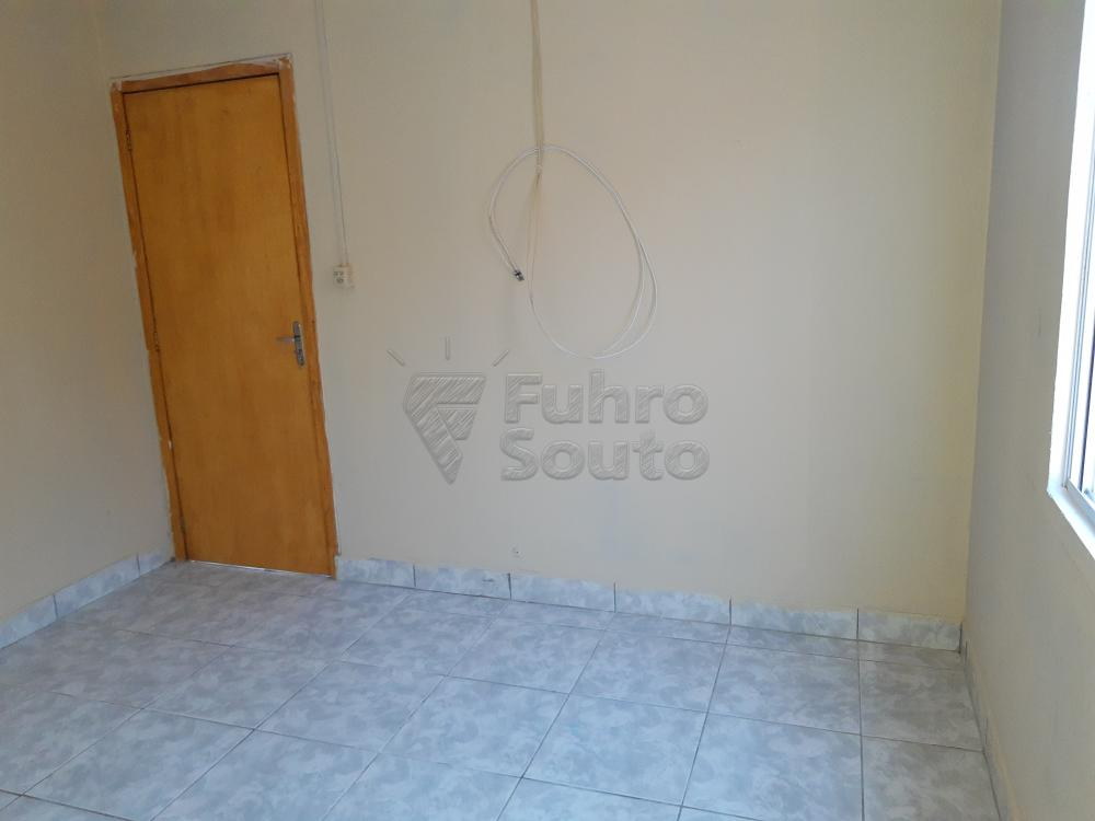 Alugar Casa / Padrão em Pelotas R$ 790,00 - Foto 10
