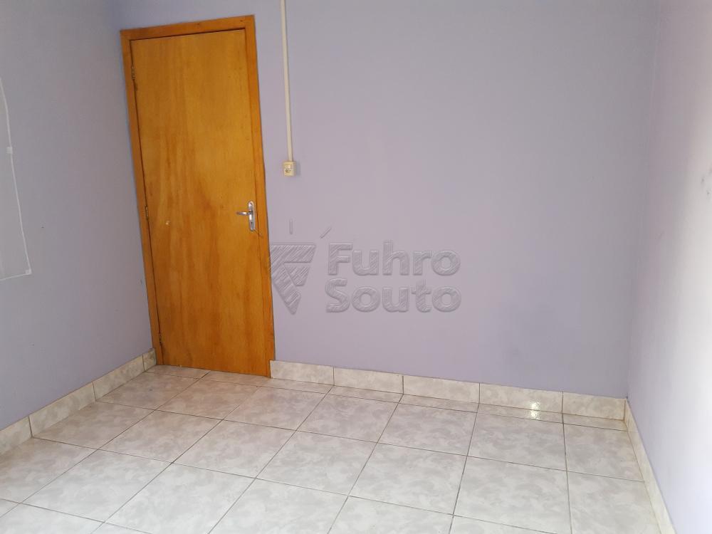 Alugar Casa / Padrão em Pelotas R$ 790,00 - Foto 15