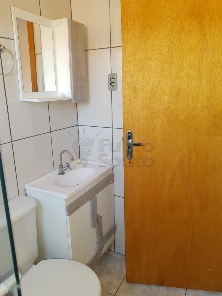 Alugar Casa / Padrão em Pelotas R$ 790,00 - Foto 18