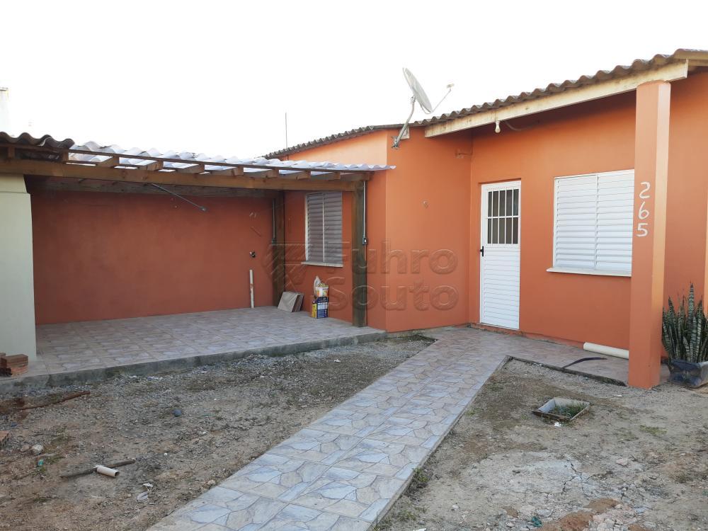 Alugar Casa / Padrão em Pelotas R$ 790,00 - Foto 4