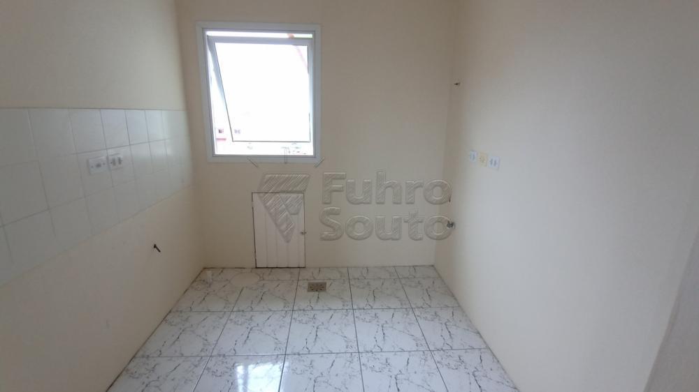 Comprar Apartamento / Padrão em Pelotas R$ 128.000,00 - Foto 3