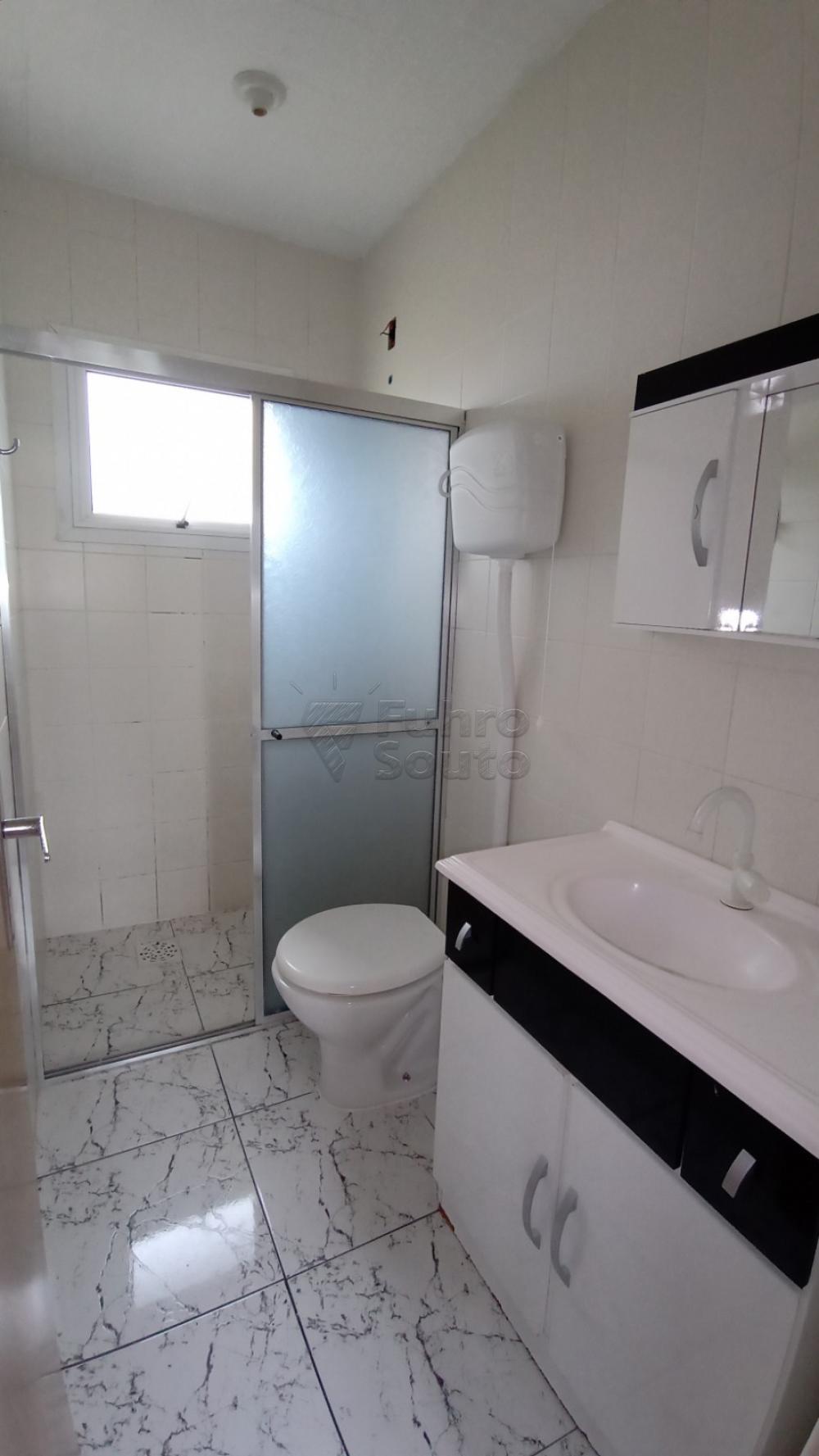 Comprar Apartamento / Padrão em Pelotas R$ 128.000,00 - Foto 4