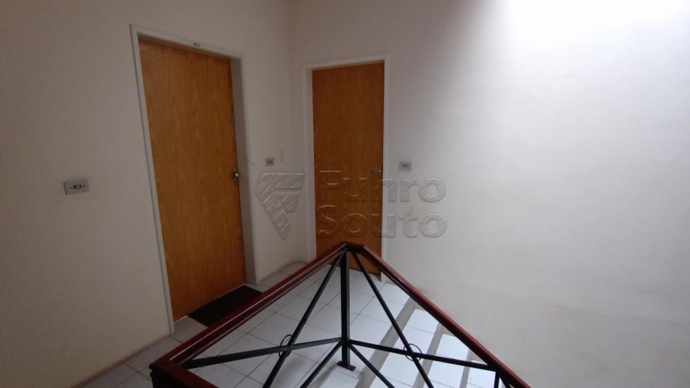 Comprar Apartamento / Padrão em Pelotas R$ 128.000,00 - Foto 7