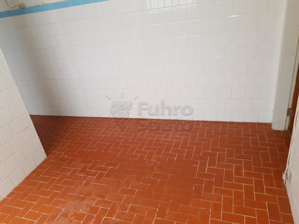 Alugar Apartamento / Fora de Condomínio em Pelotas R$ 800,00 - Foto 9
