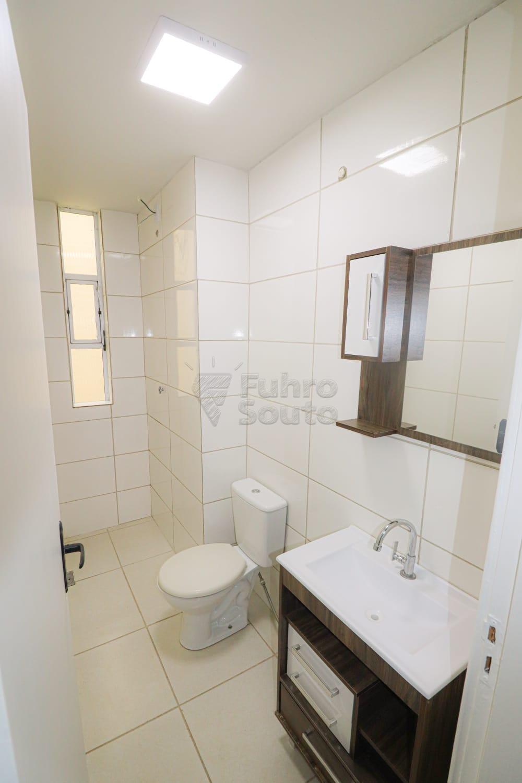 Alugar Apartamento / Padrão em Pelotas R$ 900,00 - Foto 8
