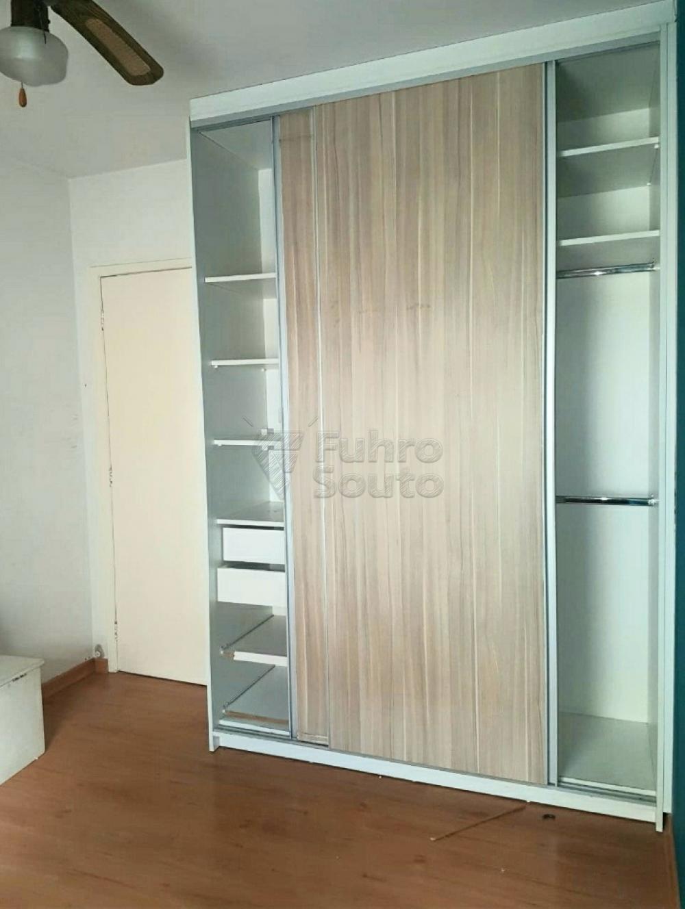 Comprar Apartamento / Padrão em Pelotas R$ 320.000,00 - Foto 8