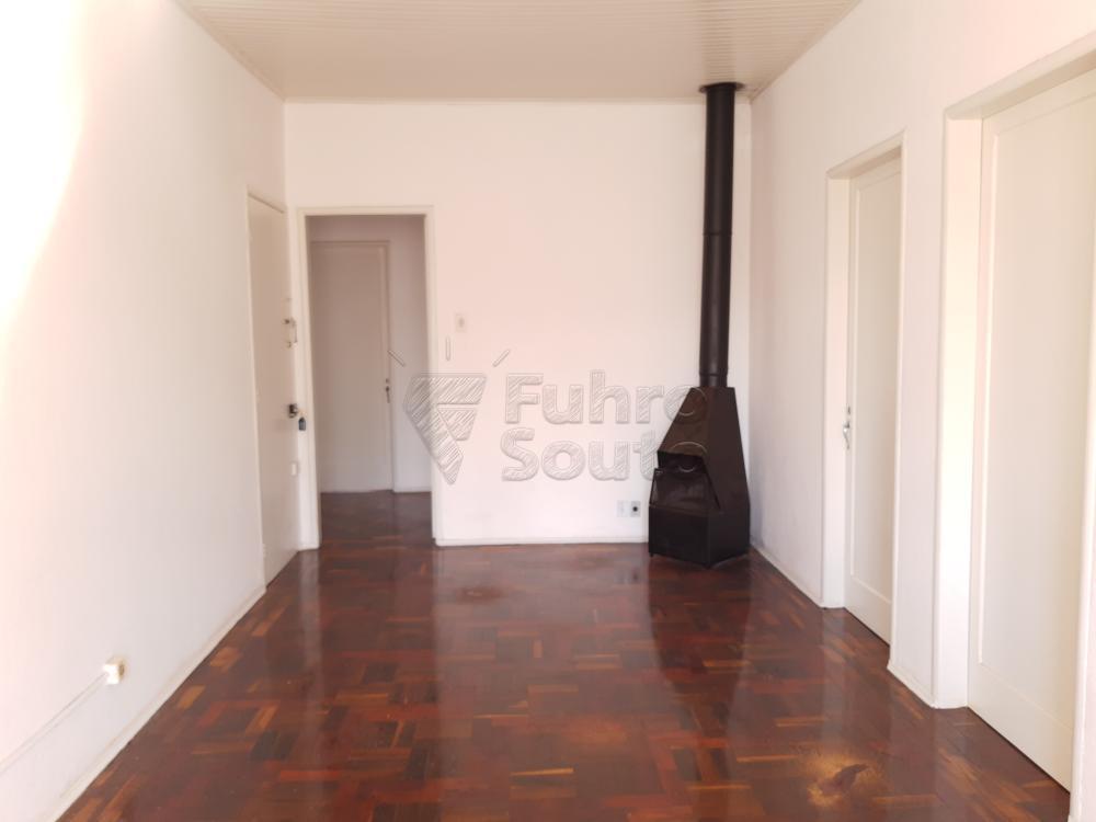 Alugar Apartamento / Fora de Condomínio em Pelotas R$ 980,00 - Foto 3