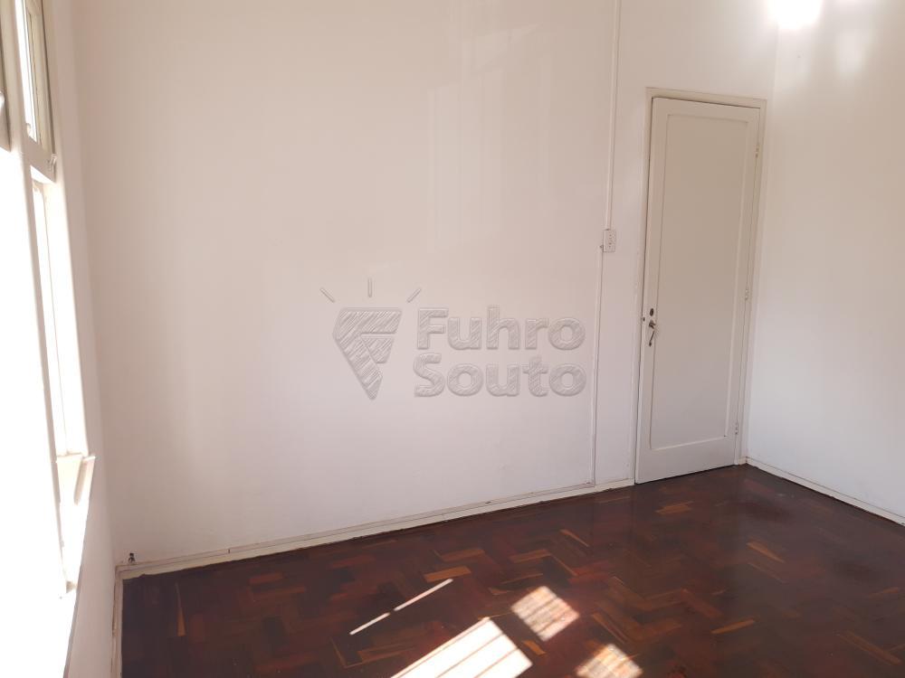 Alugar Apartamento / Fora de Condomínio em Pelotas R$ 980,00 - Foto 7