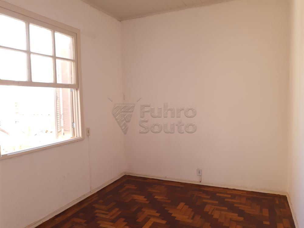 Alugar Apartamento / Fora de Condomínio em Pelotas R$ 980,00 - Foto 8
