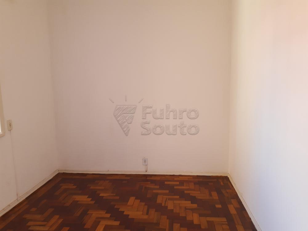 Alugar Apartamento / Fora de Condomínio em Pelotas R$ 980,00 - Foto 9