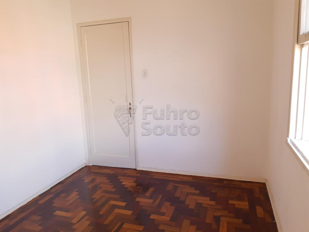 Alugar Apartamento / Fora de Condomínio em Pelotas R$ 980,00 - Foto 10