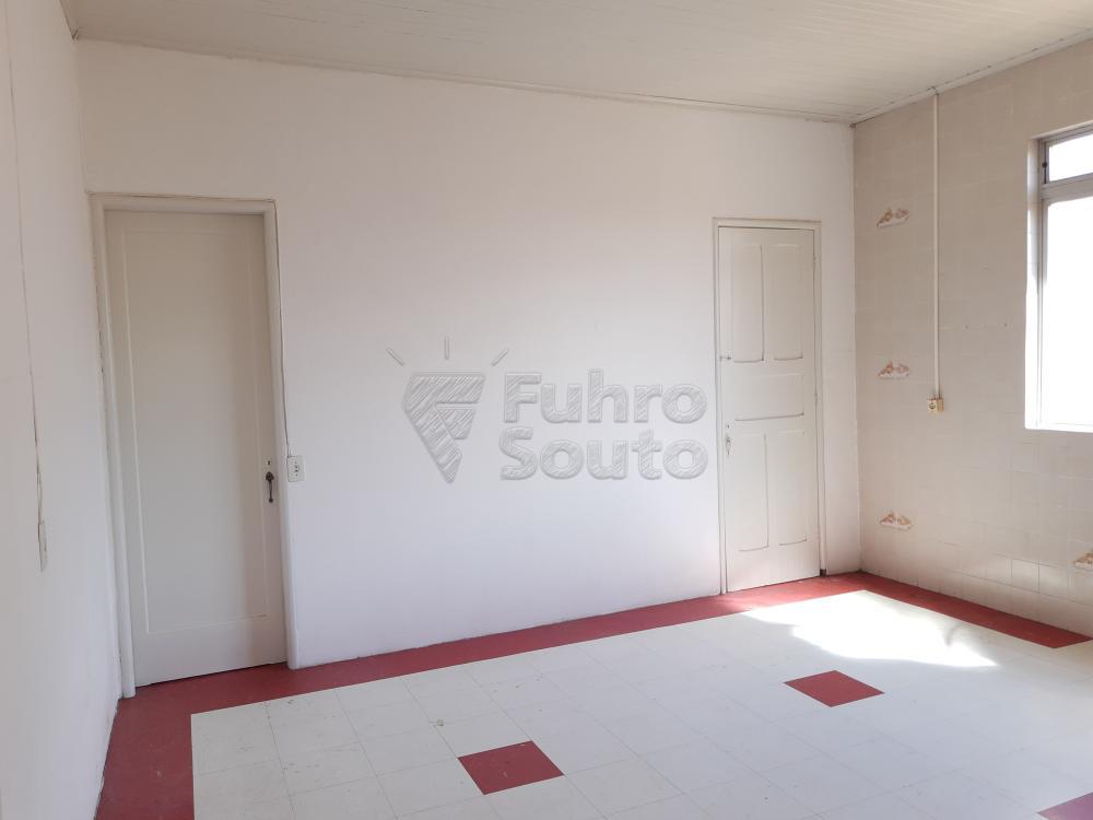 Alugar Apartamento / Fora de Condomínio em Pelotas R$ 980,00 - Foto 12