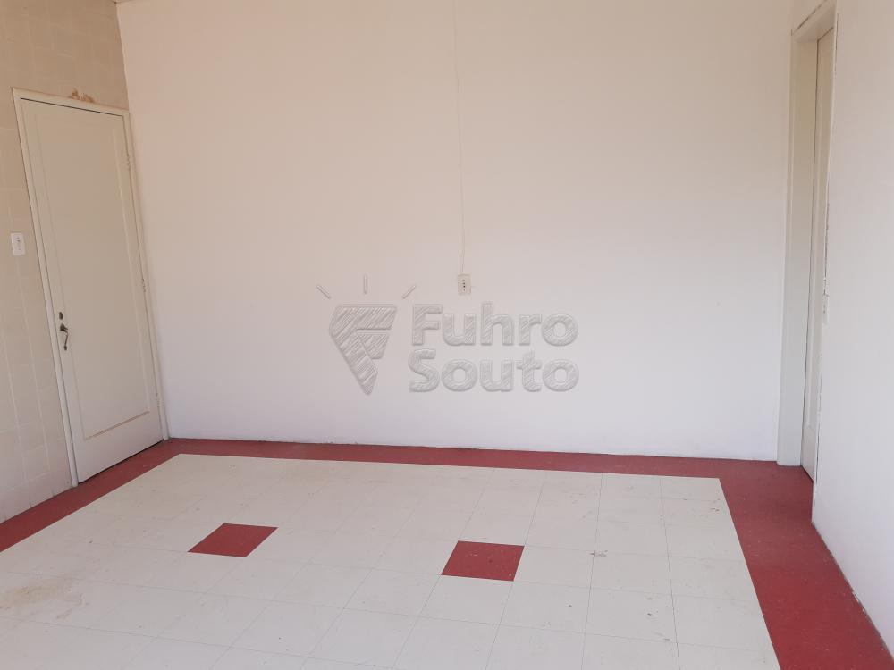 Alugar Apartamento / Fora de Condomínio em Pelotas R$ 980,00 - Foto 13