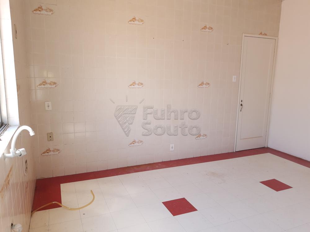 Alugar Apartamento / Fora de Condomínio em Pelotas R$ 980,00 - Foto 14