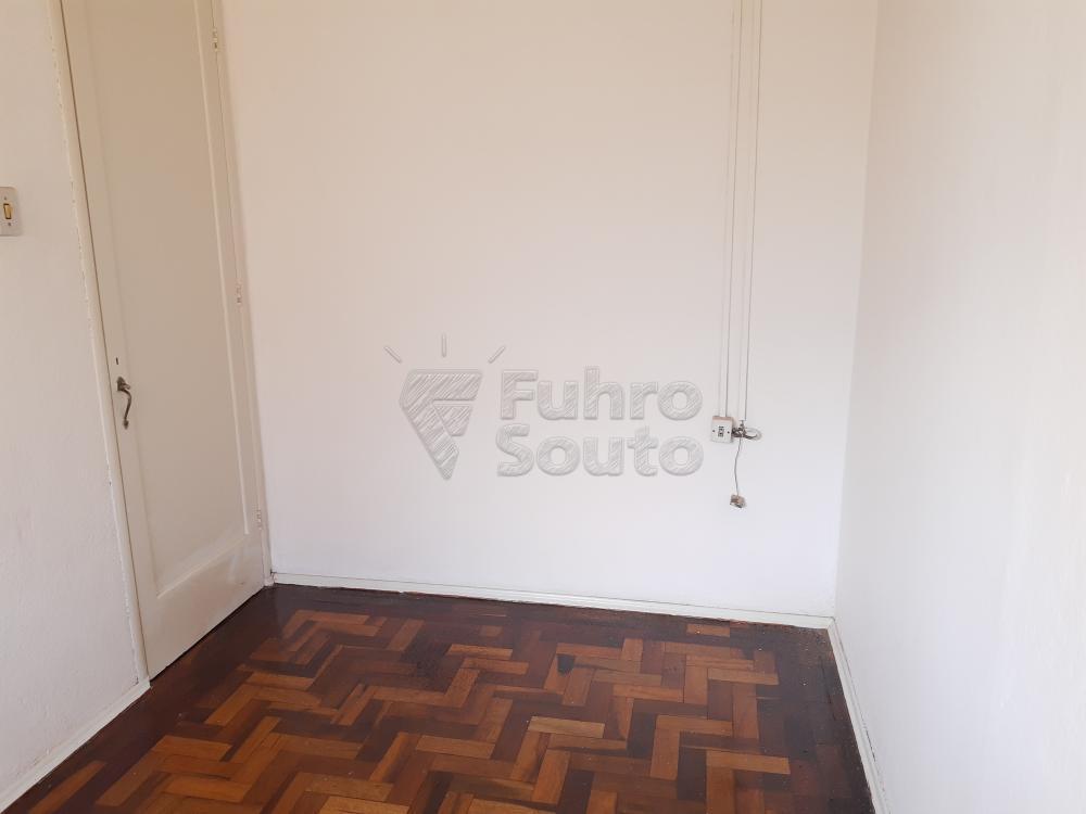 Alugar Apartamento / Fora de Condomínio em Pelotas R$ 980,00 - Foto 16