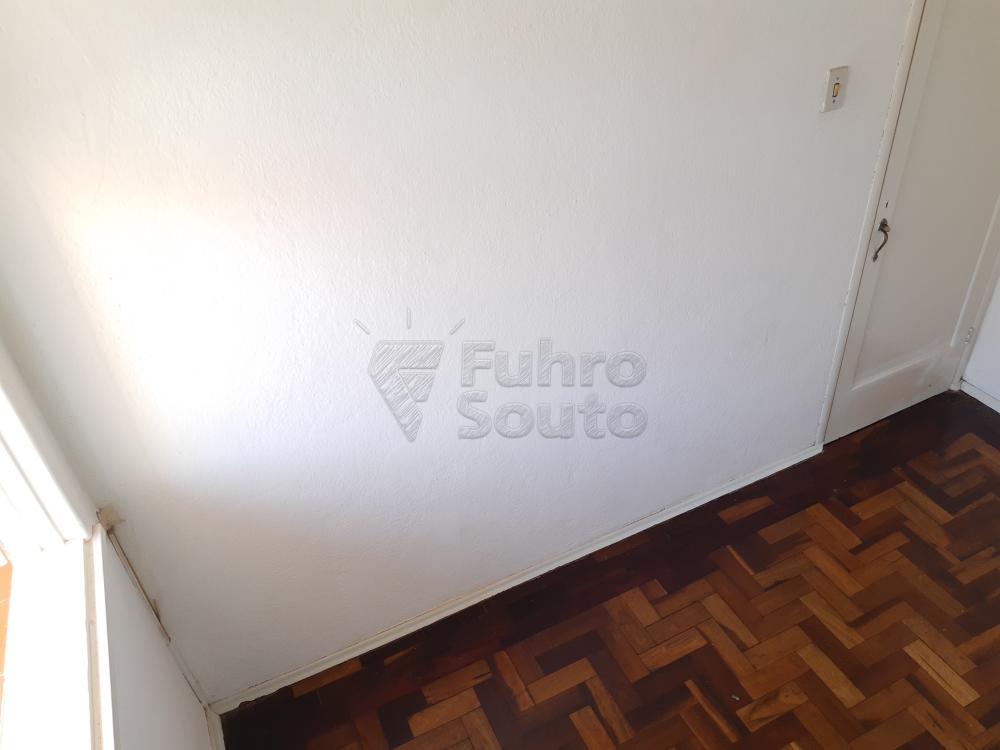 Alugar Apartamento / Fora de Condomínio em Pelotas R$ 980,00 - Foto 17
