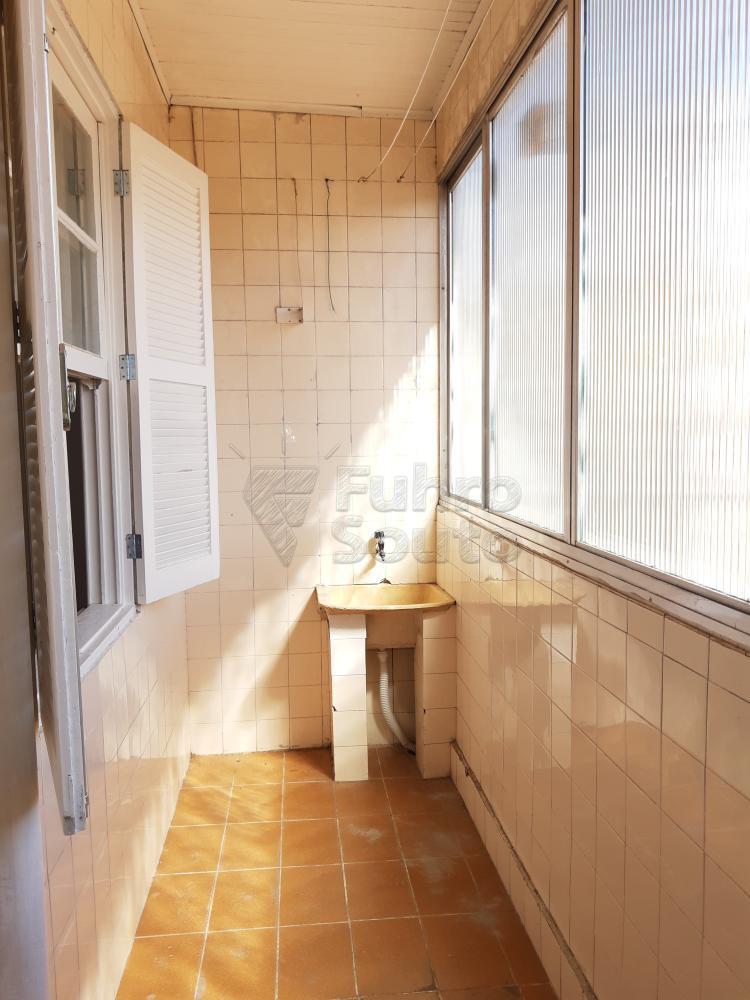 Alugar Apartamento / Fora de Condomínio em Pelotas R$ 980,00 - Foto 18