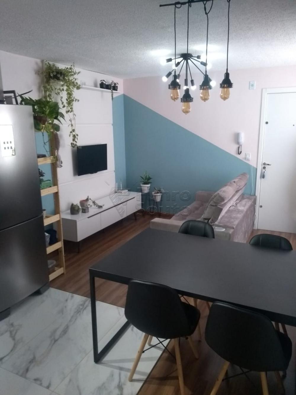 Comprar Apartamento / Padrão em Pelotas R$ 150.000,00 - Foto 2