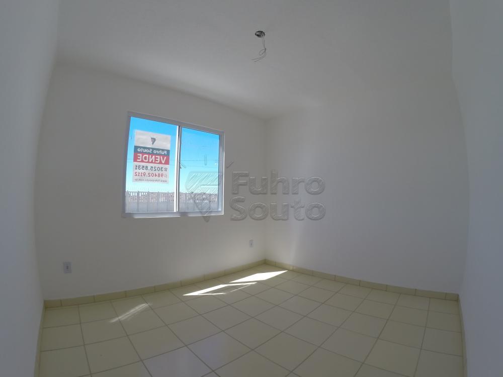Comprar Apartamento / Padrão em Pelotas R$ 120.000,00 - Foto 1
