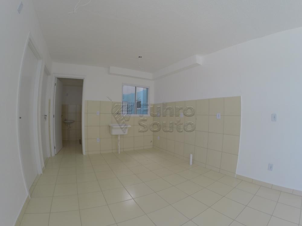Comprar Apartamento / Padrão em Pelotas R$ 120.000,00 - Foto 4