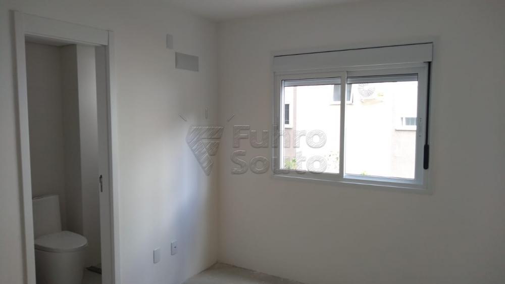 Comprar Apartamento / Padrão em Pelotas R$ 270.000,00 - Foto 11