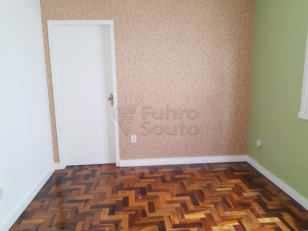 Alugar Apartamento / Padrão em Pelotas R$ 1.000,00 - Foto 3