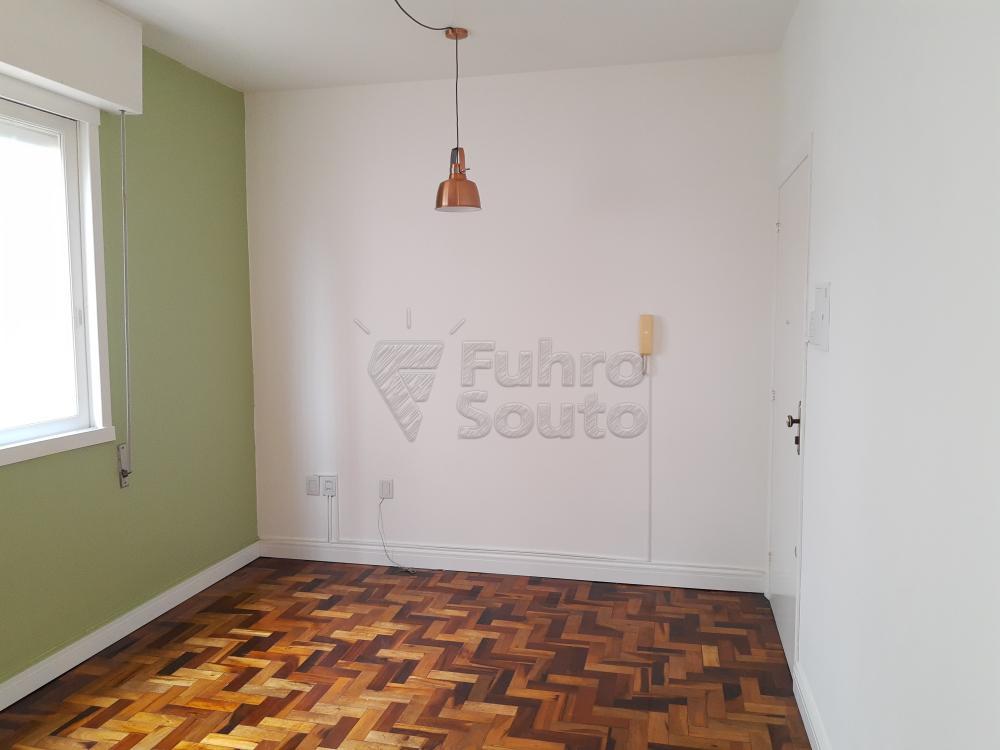 Alugar Apartamento / Padrão em Pelotas R$ 1.000,00 - Foto 4