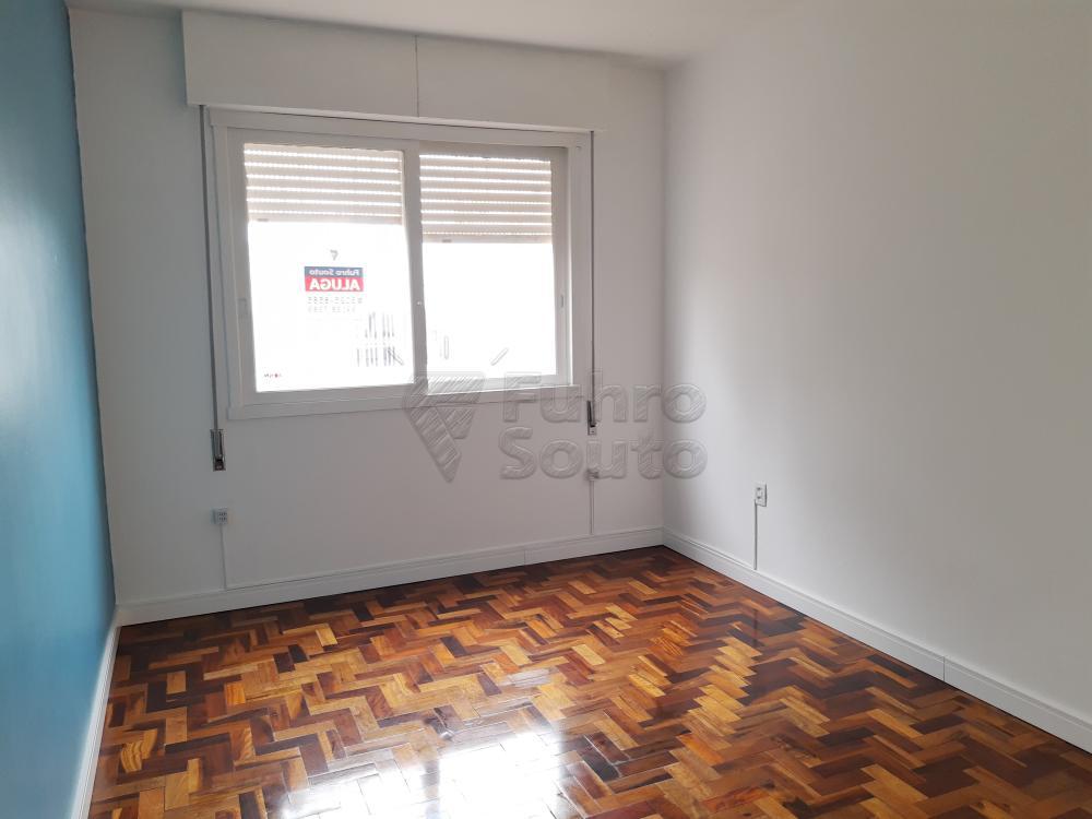Alugar Apartamento / Padrão em Pelotas R$ 1.000,00 - Foto 5