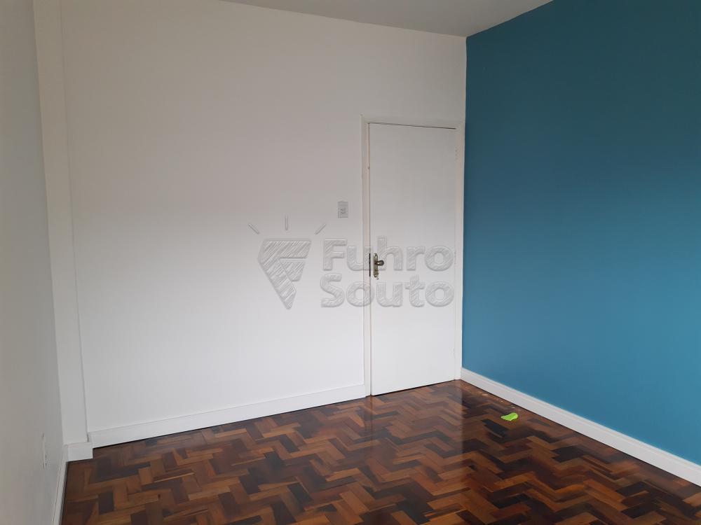 Alugar Apartamento / Padrão em Pelotas R$ 1.000,00 - Foto 6